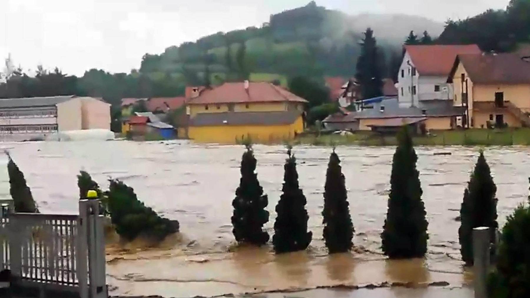 Vanredna situacija zbog poplava i u Lučanima, Arilju i Ivanjici 2