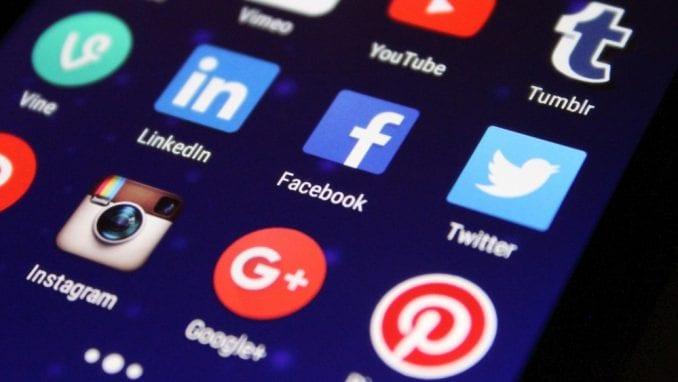 Rusija kaznila Fejsbuk i Tviter sa po 58.000 evra 1