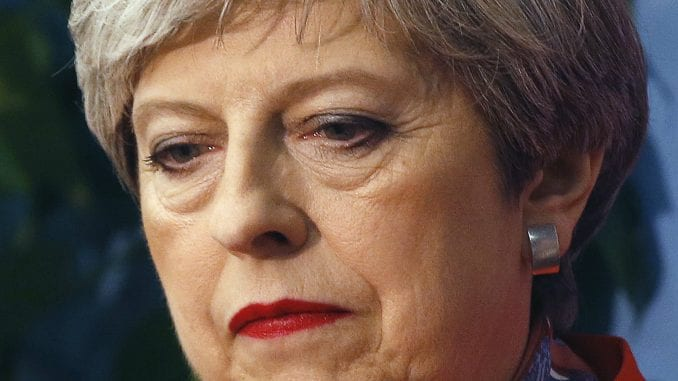 Britanska premijerka zvanično otišla sa mesta vođe Konzervativaca 1