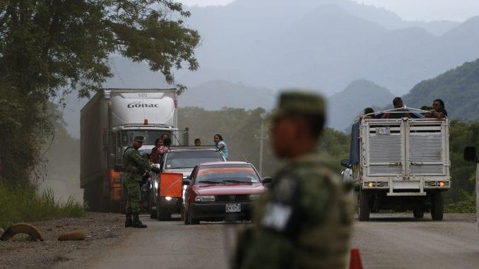 U Meksiku pronađeno oko 800 migranata u četiri kamiona 1