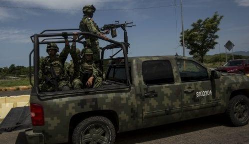 Meksiko uputio 15.000 policajaca i vojnika na granicu sa SAD zbog migranata 6