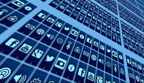 Društvene mreže prepune teorija zavera 11