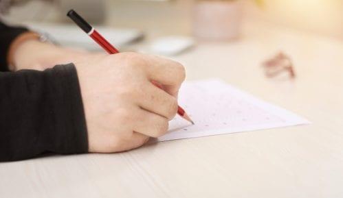 Disciplinski postupak protiv učiteljice koja je đacima zadala da crtaju trobojku 5