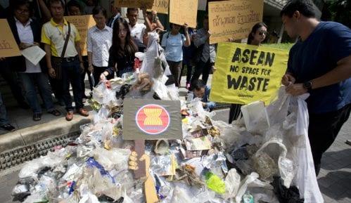 Filipini vratili Kanadi tone otpada 13