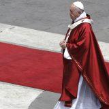 Papa pozvao na posebnu pažnju prema strancima 10