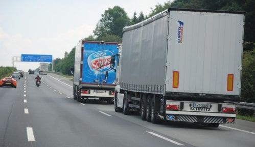 U izoloaciji 12 vozača kamiona 12