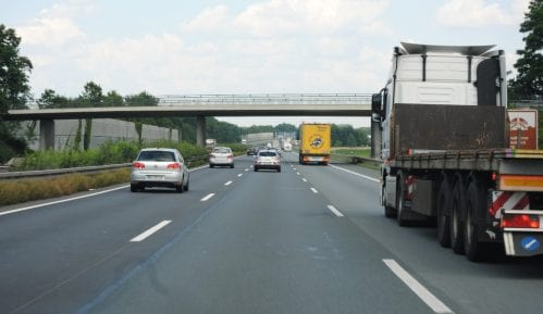 Putevi Srbije demantovale da je pao deo mosta na auto putu 6