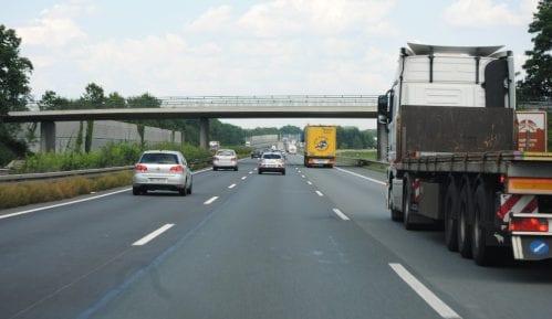 AMSS: Voziti sporije, prethodnih dana učestale nezgode 9