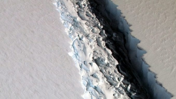Santa leda teška 315 milijardi tona koja se otcepila od Antarktika 4