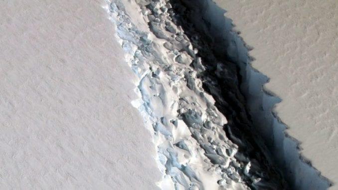 Santa leda teška 315 milijardi tona koja se otcepila od Antarktika 1