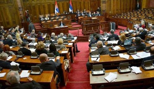 Skupština o predlogu da se u odborima članovi DJB zamene poslanicima SMS 10