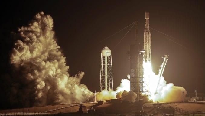 Spejs X lansirao svoju najjaču raketu s 24 satelita, eksperimentima, pepelom od kremacija 2