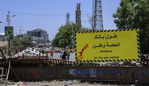 Sudanska vojska počela rasturanje protestnog kampa u Kartumu, pet mrtvih 10