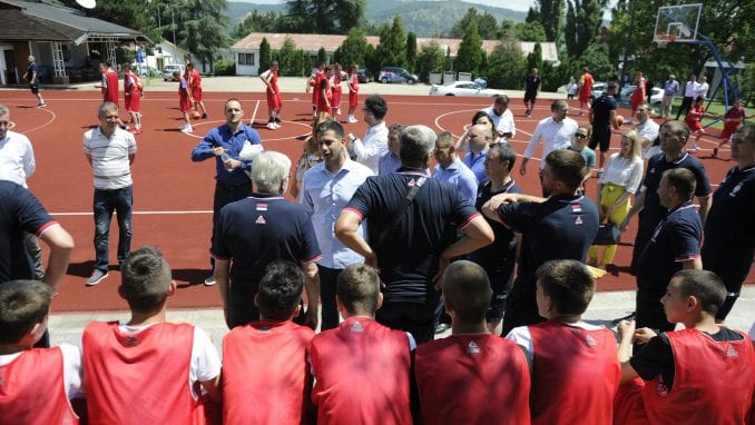 Ministar Vanja Udovičić posetio sportski kamp Karataš kod Kladova 2
