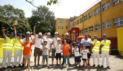 Vaterpolisti uredili dvorište osnovne škole za decu sa smetnjama u razvoju 8
