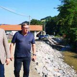 Vučić u obilasku poplavljenih područja: Država će pomoći ugroženom narodu (VIDEO) 3