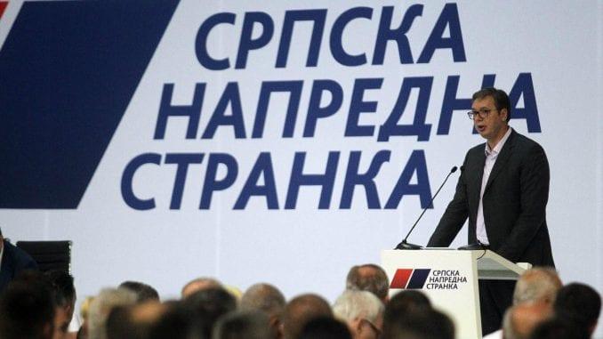 Vučić na Glavnom odboru SNS-a: Neki naprednjaci će dobrovoljno s funkcija u lokalu 1