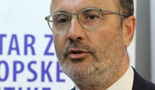 Šef Delegacije EU i ministar omladine i sporta Srbije posetili osnovnu školu u Beogradu 7