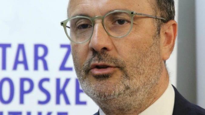 Šef Delegacije EU i ministar omladine i sporta Srbije posetili osnovnu školu u Beogradu 3