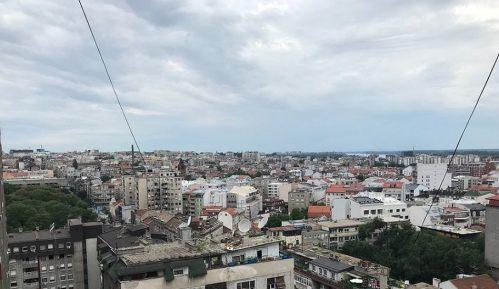 Privođenje na skupu građana koji park u Beogradu brane od investitora 3