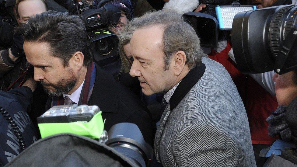 Kevin Spejsi napušta sud u Nantaketu u januaru 2019. godine.