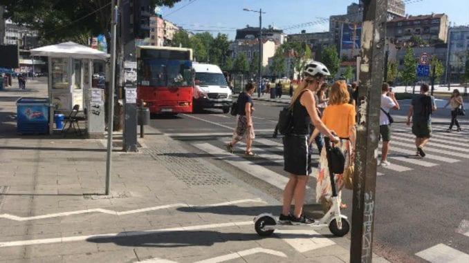 Električni trotineti hit na beogradskim ulicama (VIDEO) 1