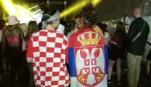 Na Exitu Splićanka nosila srpsku, a Novosađanka hrvatsku zastavu 4