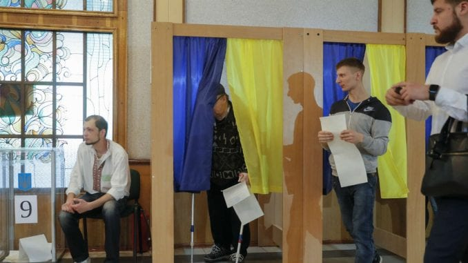 Ubedljiva pobeda stranke Zelenskog 1