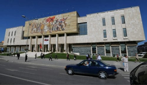 Tirana (2): Znalački probrani artefakti 13