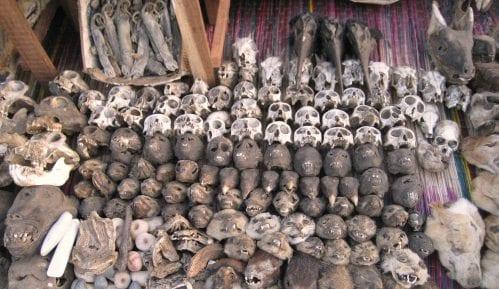 Togo: Ponuda na pijaci fetiša 3