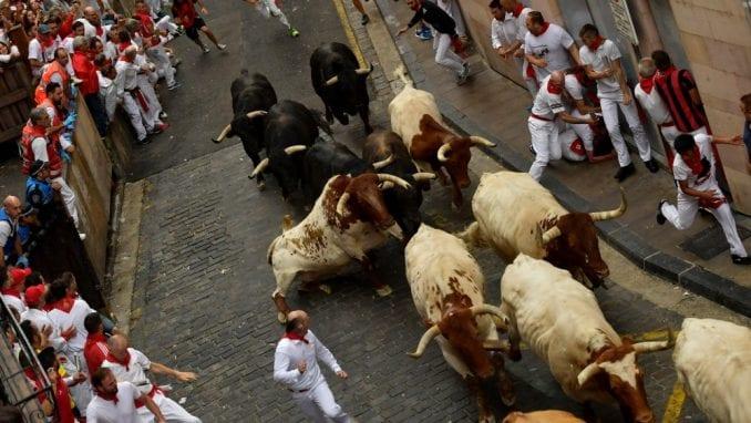 Pet osoba povređeno u trci sa bikovima u Španiji 3