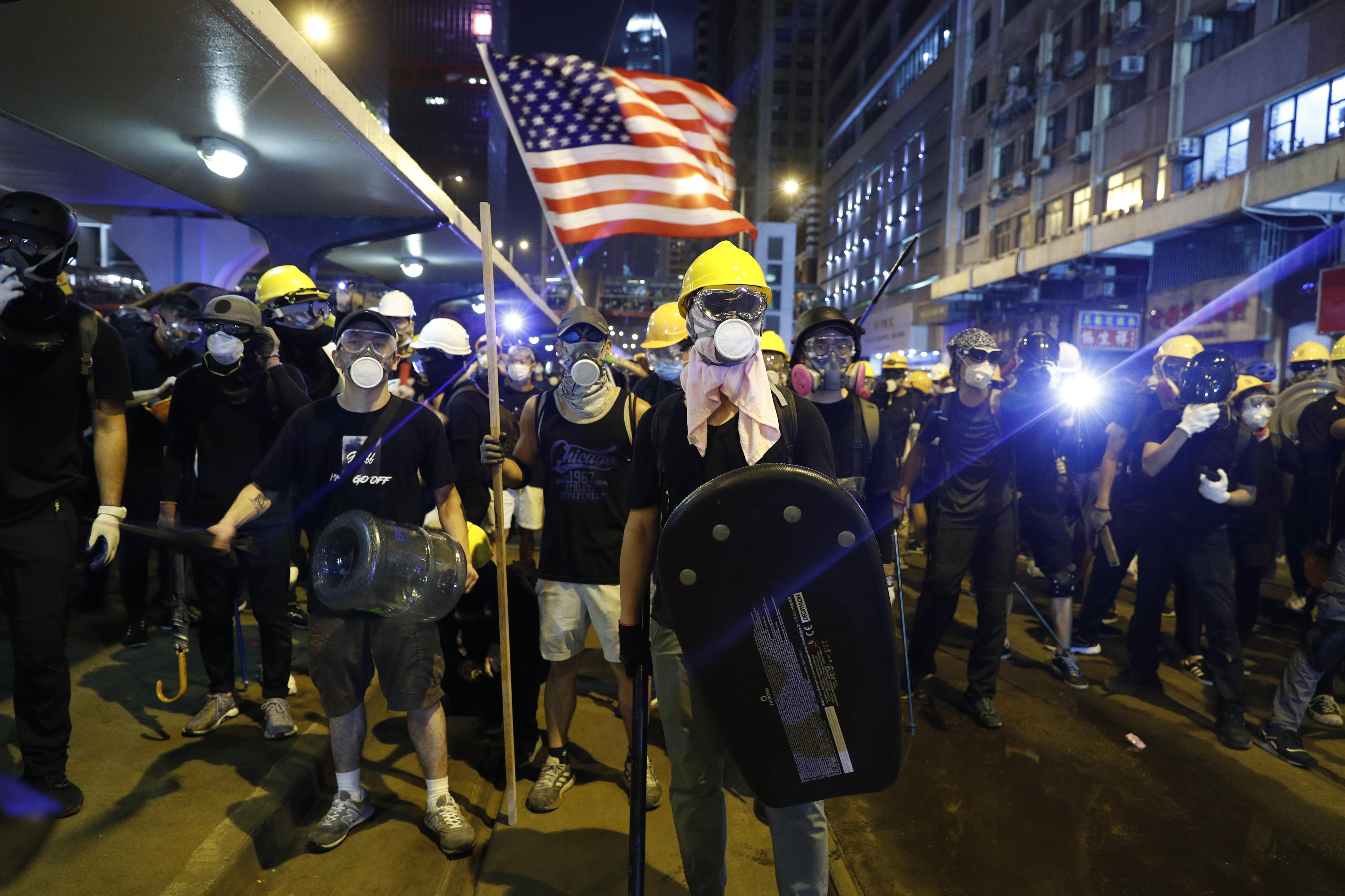 Novo nasilje na protestima u Hongkongu, policija bacala suzavac 2