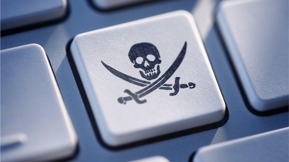 Piratski simbol na tastaturi