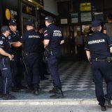 Novi Sad: U policijskoj raciji zaplenjeni oružje i droga kod sedam osoba 12
