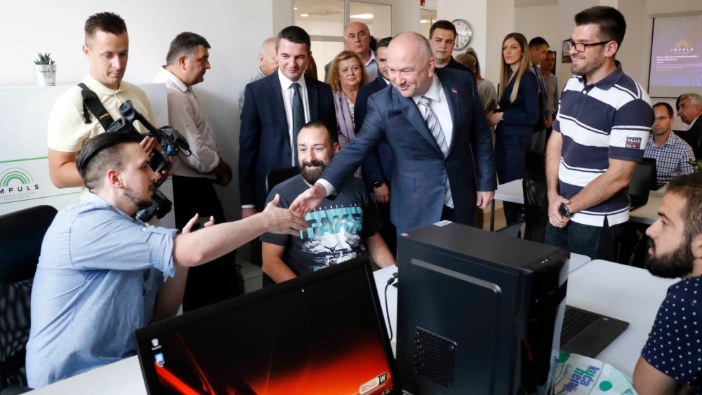 Popović otvorio Regionalni inovacioni startap centar u Gornjem Milanovcu 1