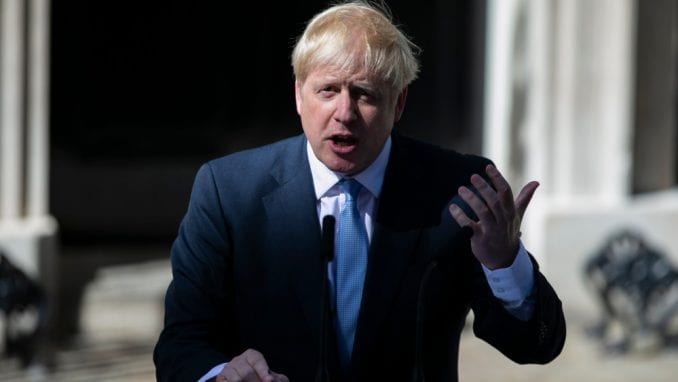 Britanski premijer naredio da se zbog virusa prodavnice zatvore, nema okupljanja 5