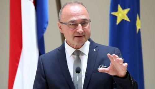 Hrvatska osudila postavljanje spomen-ploče u Novom Sadu komandantu napada na Vukovar 4