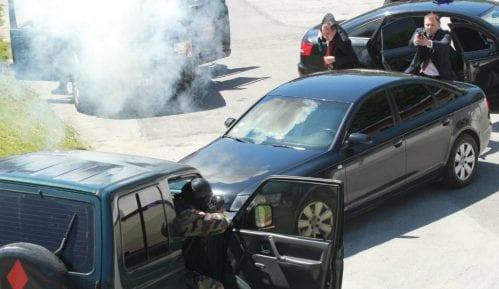 Zašto provladini mediji insistiraju na fizičkoj ugroženosti Vučića? 6