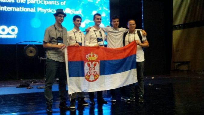 Dve srebrne i tri bronzane medalja za srpske srednjoškolce 1