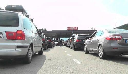 Gužve na graničnom prelazu ''Gradina'' i minulog vikenda 12