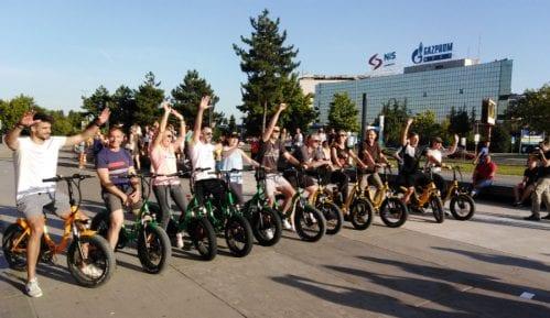 Održana edukativno-humanitarna trka električnim biciklima 8