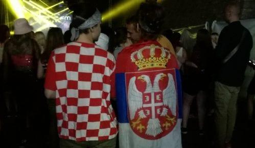 Na Exitu Splićanka nosila srpsku, a Novosađanka hrvatsku zastavu 7