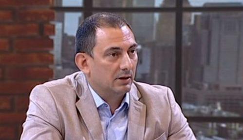 Urednik Srpskog telegrafa priznao da ne zna da li je na snimku novinar KRIK-a, a napisali da jeste 14