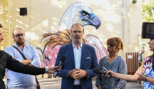 Novi mural u Beogradu - beloglavi sup od recikliranog materijala 7