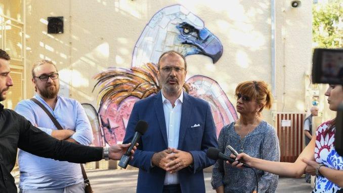 Novi mural u Beogradu - beloglavi sup od recikliranog materijala 2