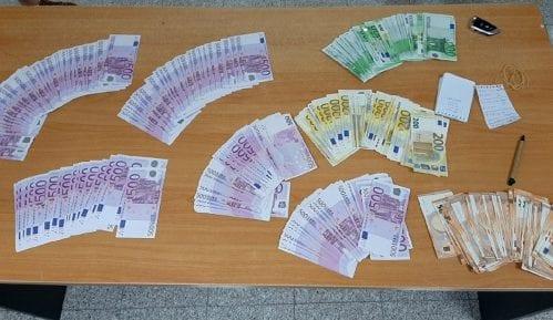 Džepovi puni neprijavljenih evra 13