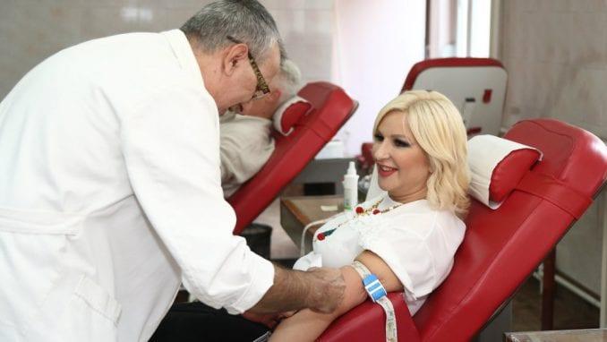 Zorana Mihajlović u akciji dobrovoljnog davanja krvi 1