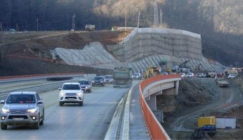 Sanirane naprsline na deonici autoputa kroz Grdeličku klisuru 5