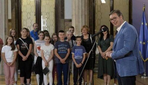 Vučić: Uspeli smo da snabdemo prodavnice na severu Kosova u poslednjih par dana 10