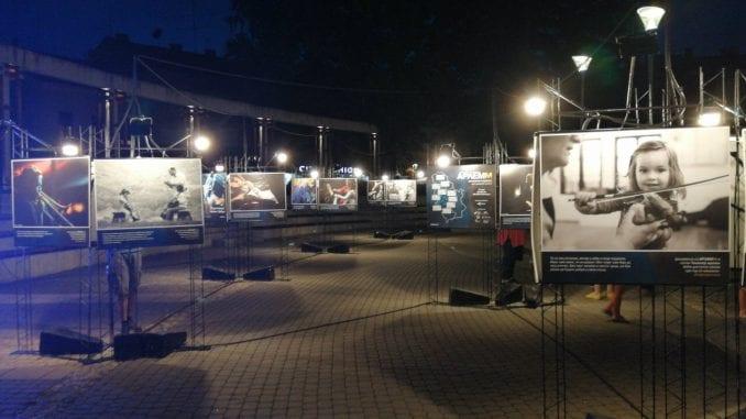 Požega: Otvorena izložba ARLEMM umetničkog karavana 4
